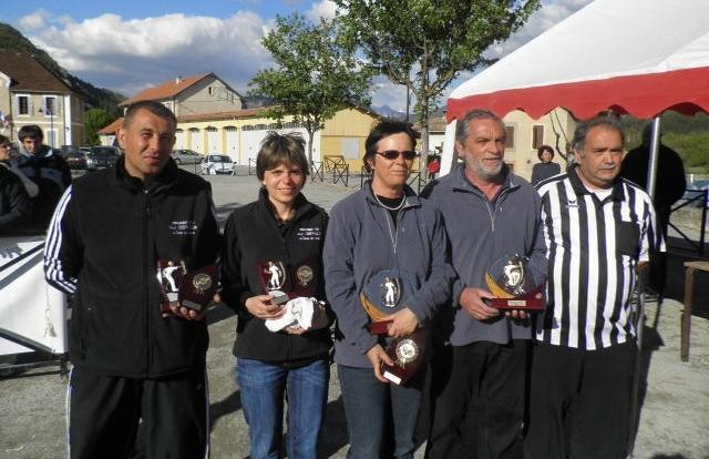 Les champions et vices champions 2012 lors de la remise des prix